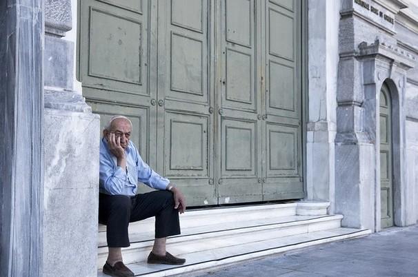 Grecia pide nuevo programa de ayuda a acreedores