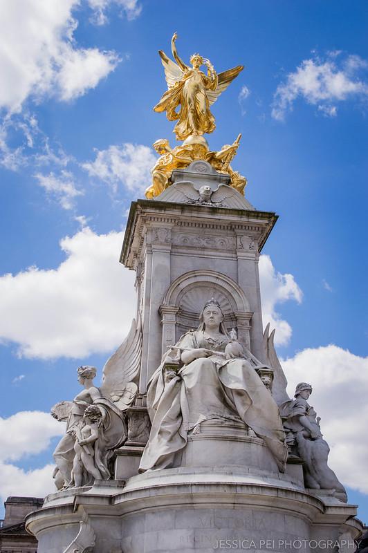 Queen Victoria Statue Memorial Buckingham Palace