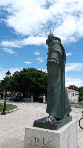 Statuia episcopului Gregory din Nin, Croatia