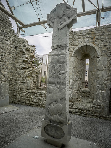 Kilfenora Cathedral and High Crosses-028