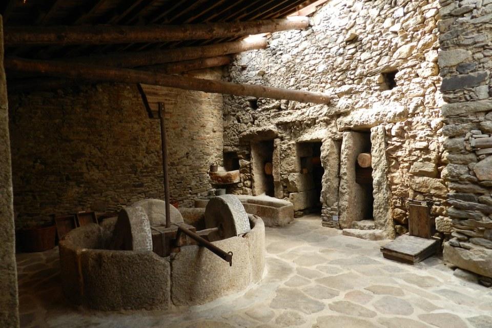 Piedra de molino muela Museo del Aceite San Felices de los Gallegos Salamanca 32