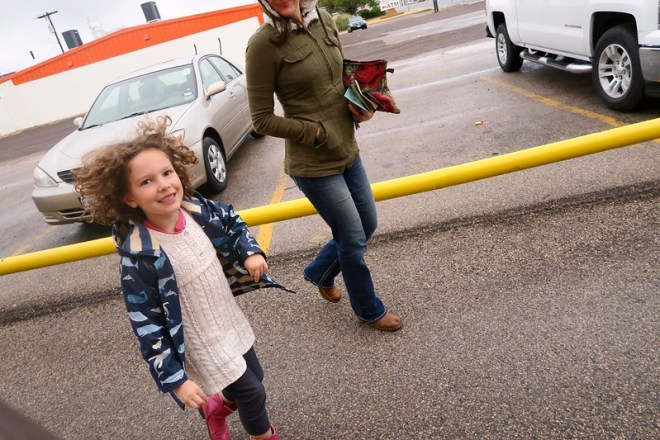 Anais and Maile in the parking lot of Bienvenidos restaurant