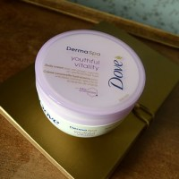 Beauty: Dove - Derma Spa Youthful Vitality Body Cream