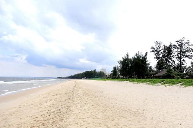 Bãi biển riêng dài 1,2 km