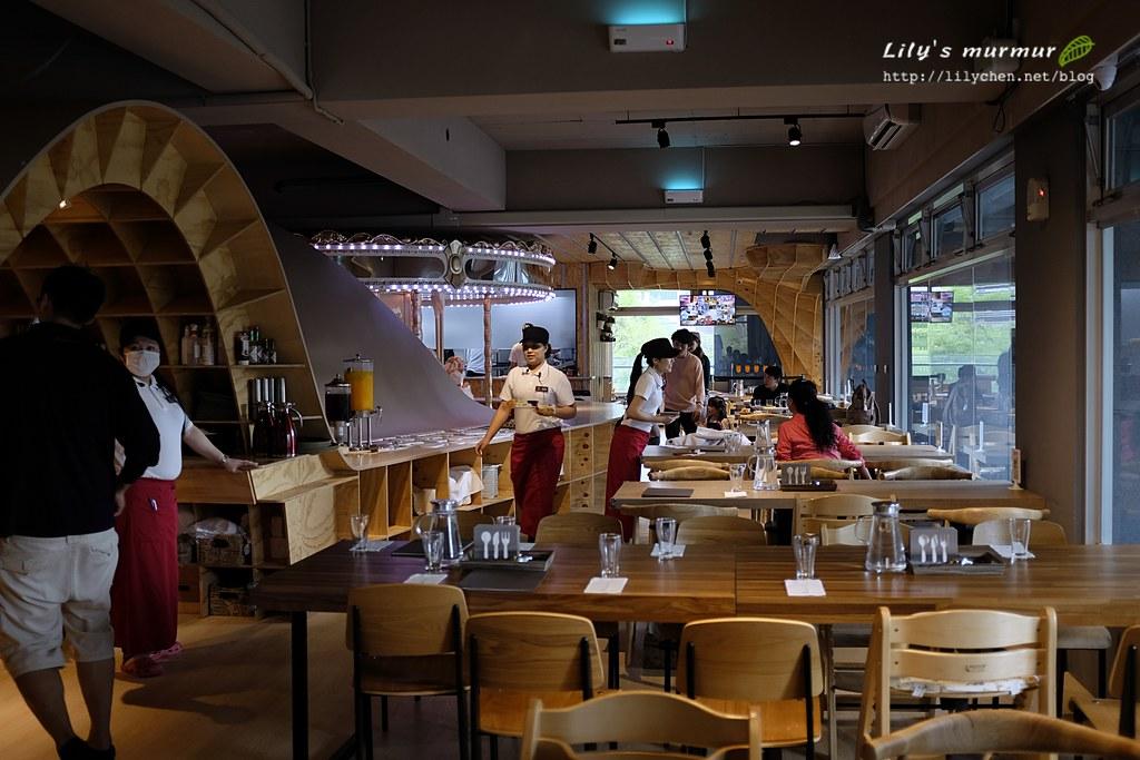 從我們的用餐區拍攝,大致可以看到餐廳整體內觀~