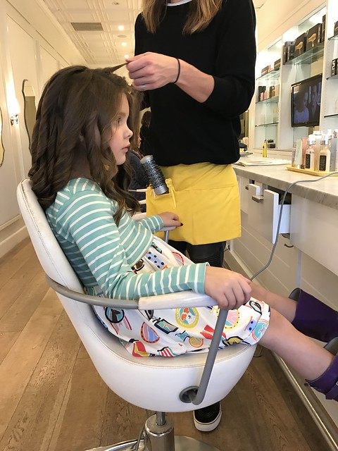 getting a blow out at drybar