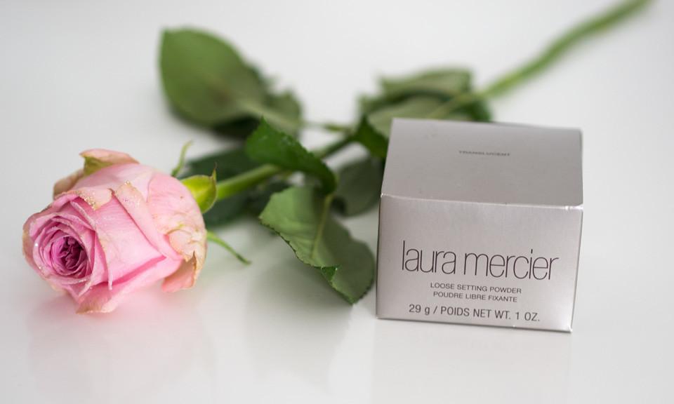 laura_mercier_translucent_loose_powder