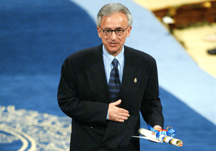 António Damásio (1944-) recogiendo Premio Príncipe de Asturias en 2005.