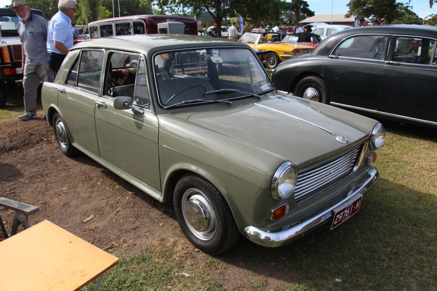 1964 austin cars » 1966 Morris 1100 Mk I Saloon   Morris Cars were available fr      Flickr     1966 Morris 1100 Mk I Saloon   by Sicnag