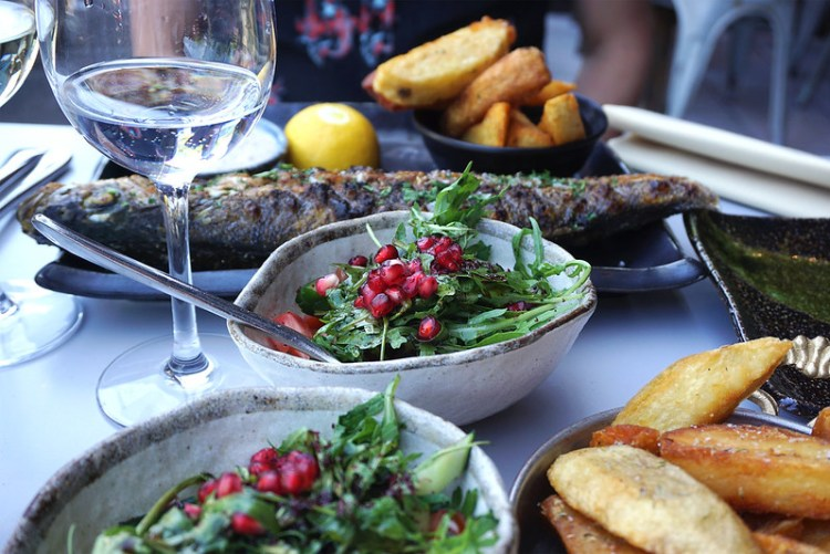 Gluten free salad, sea bass and chips from Skewd Kitchen in Cockfosters | Gluten free Cockfosters | Gluten free North London | Gluten free Barnet | Gluten free Turkish restaurant