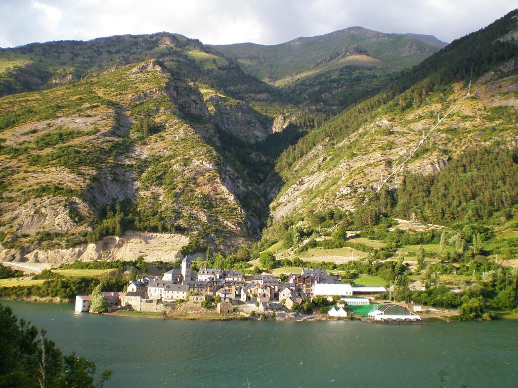 Vistas Lanuza y Embalse de Lanuza Pirineo Aragones Huesca 01