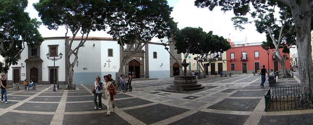 Plaza e Iglesia de Santo Domingo de Guzman barrio de Vegueta Las Palmas de Gran Canaria