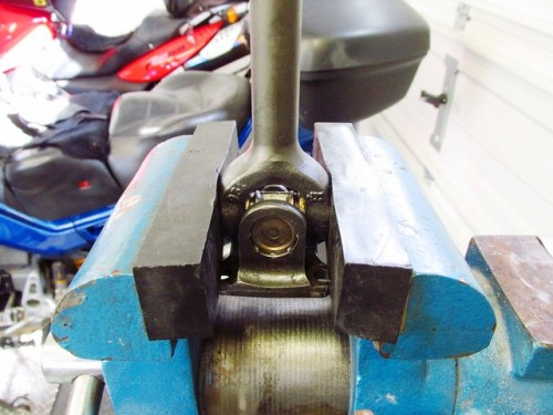 Clamping Drive Shaft by Solid U-Joint