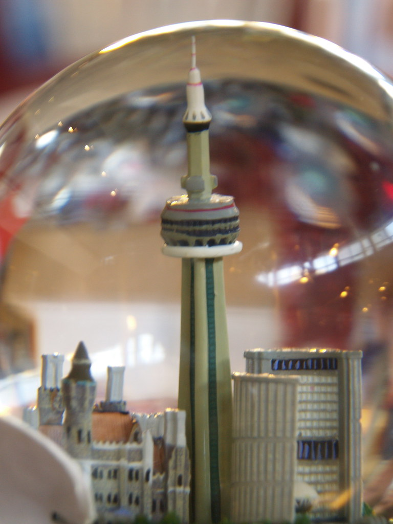 Toronto CN Tower Toy Snow Globe Snow Globe In The CN
