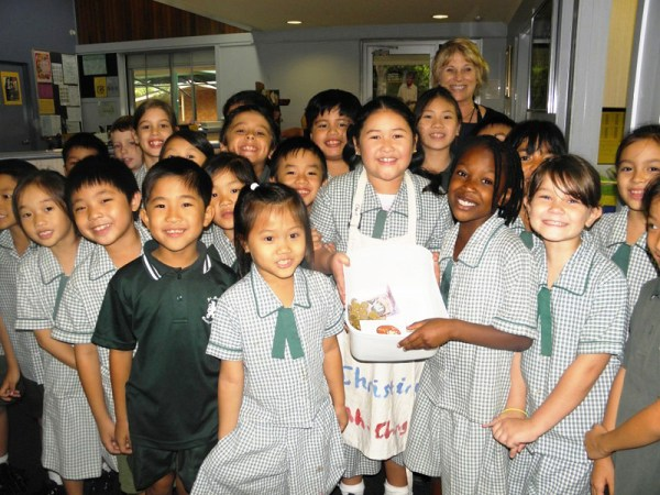 Students from St Mark's School Inala share their fundraisi ...