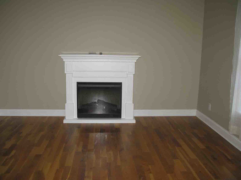 Dimplex Suswhite Electric Fireplace Mantel Package