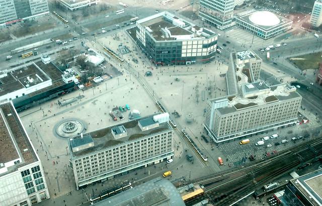 Der Blick hinunter auf den Alexanderplatz