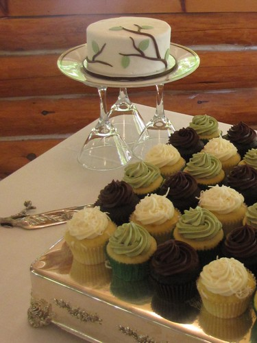 Sage Brown And Ivory Wedding Cupcakes What To Do When