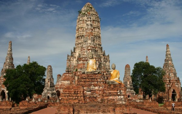 Places to see in Thailand:  Ayutthaya, Thailand