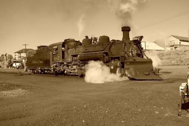 8562a Cumbres & Toltec #487 Reversing to Train