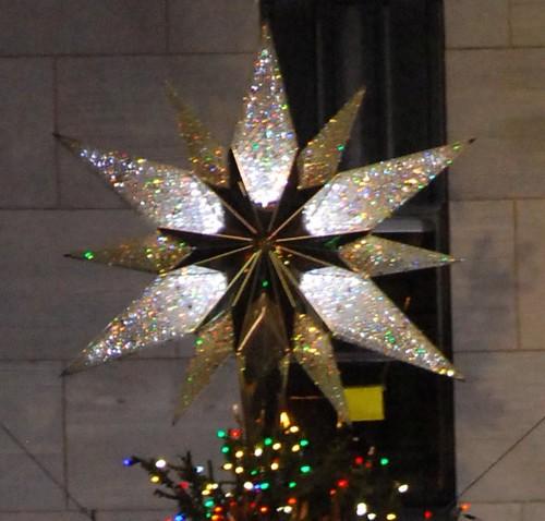 Rockefeller Center Christmas Tree Star | The star that is ...