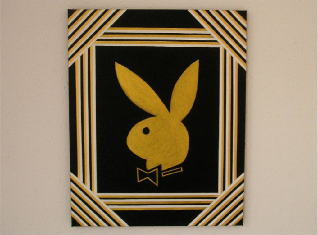 Playboyhase THREE 40x50 Cm
