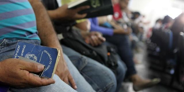 Número de desempregados bate novo recorde de 14,2 milhões, diz IBGE, Desemprego