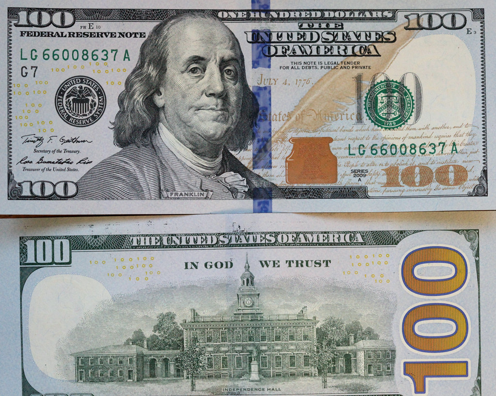The New Vs The Old American 100 Dollar Bill