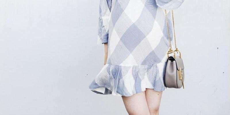 ▌Dressing the Bump ▌ 夏天來了嗎?Alexandre Birman Clarita蝴蝶結涼鞋 + Tularosa藍白洋裝 + Maison Michel Thadee帽