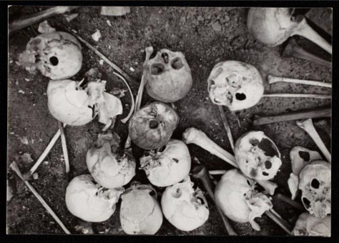 holocaust-lodz-ghetto-photography-henryk-ross-58e2272805d56__880