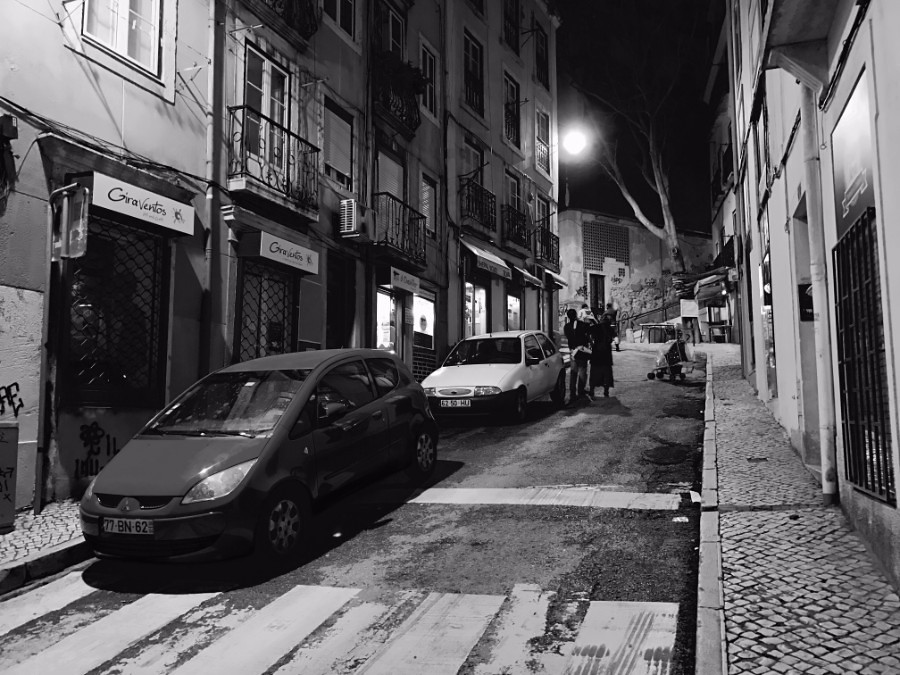 lisbon streets black and white by night