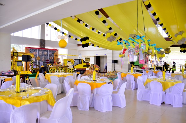 Were Used To Seeing Colorful Or Pastel Colored Parties Which Makes This Party A Breath Of Fresh Air Sticking Close The Heart Theme