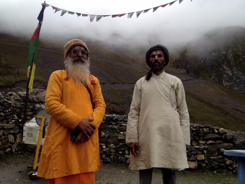 nepali pilgrims along the annapurna circuit trail