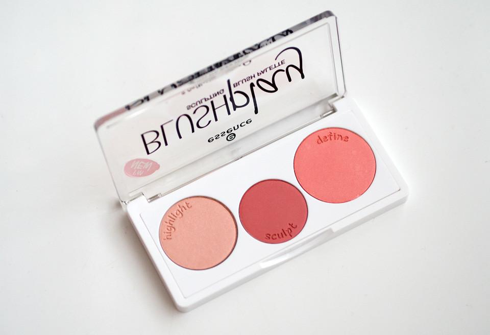 essence blushplay sculpting blush palette play it peach