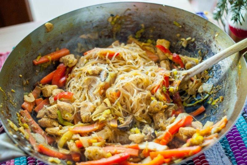 stir fry z kurczakiem i warzywami