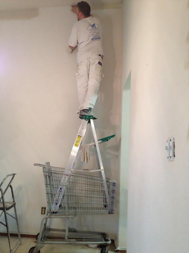 workplace-safety-fails-men-accident-waiting-to-happen-18-58cfea87e92c0__605