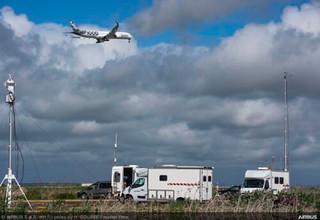 Pasada a baja cota del A350-1000 en la Base Aérea de Morón de la Frontera (Sevilla)-España, para certificación tipo sobre niveles de emisión de contaminación acústica