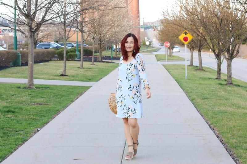 shop-versona-blue-floral-spring-dress-6