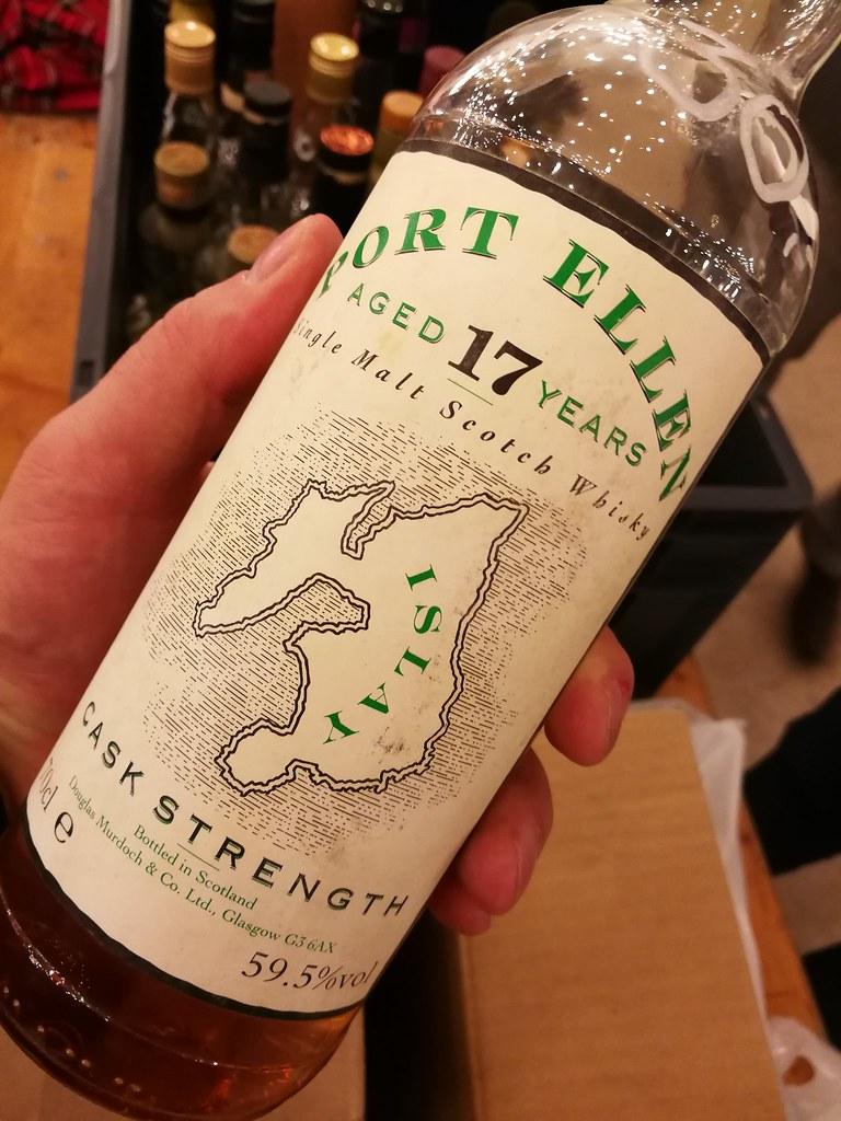Het International Malt Whisky Festival sloot ik af met deze heerlijke Port Ellen aan de stand van Geert de Bolle!