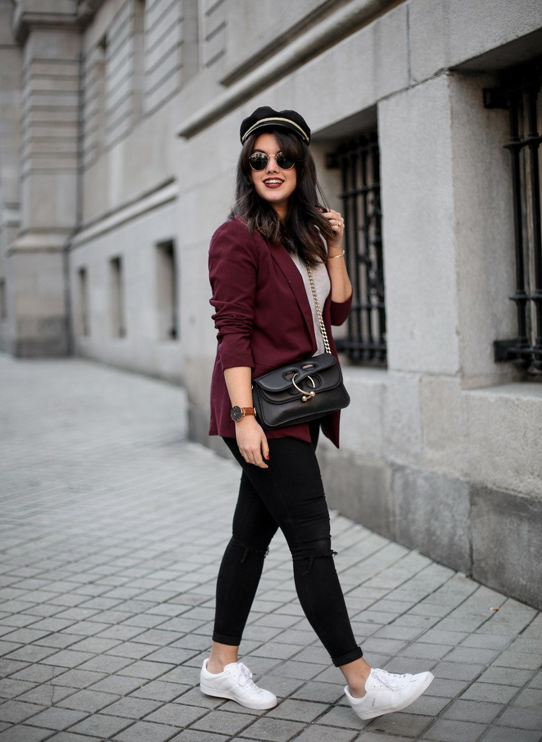 look-gazelle-sneakers-adidas-leztin-street-red-blazer-forever21-myblueberrynightsblog11