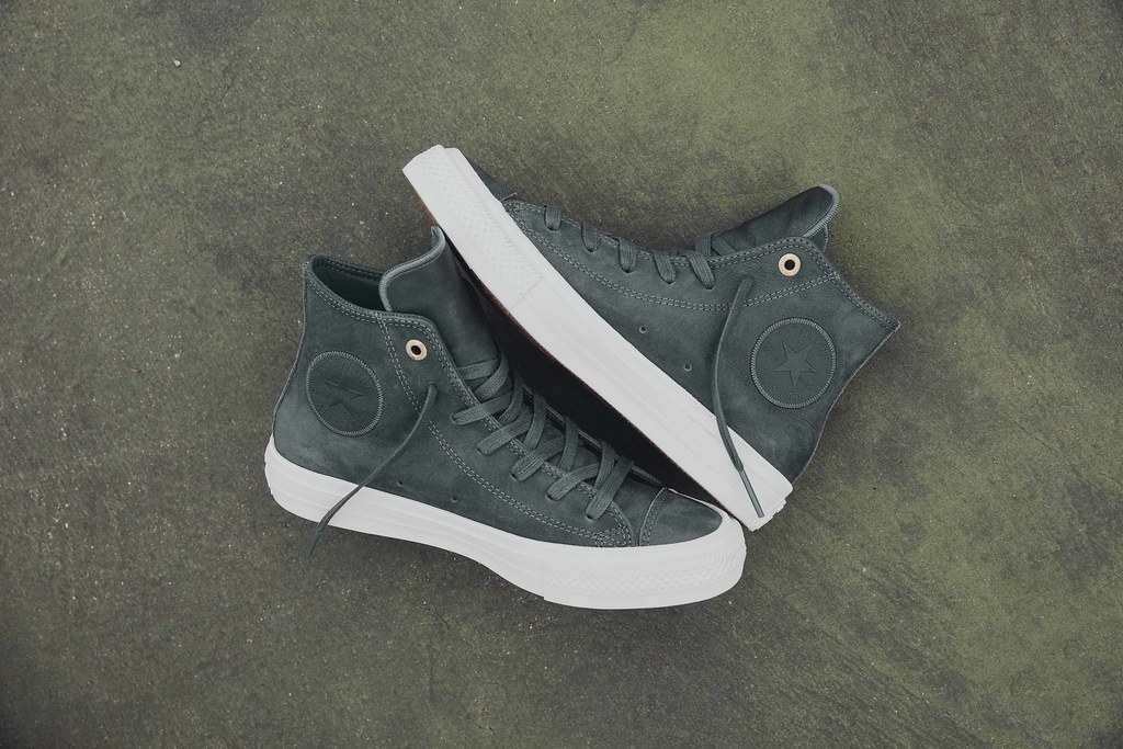 Chuck Taylor All Star II Craft Leather Hi in sharkskin.