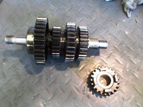 Output Shaft with 5th Gear Removed