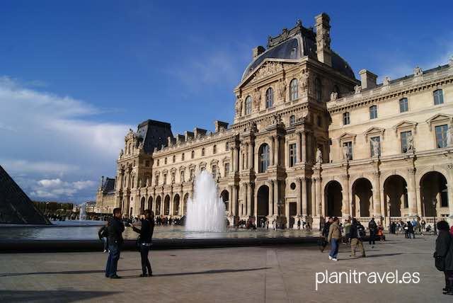 Visitando-el-Museo-del-Louvre-1