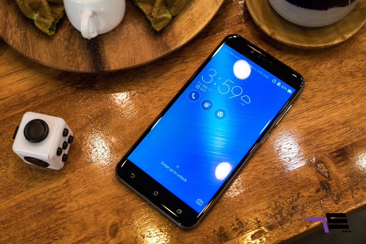 Snapdragon 430, 3GB of Ram and 32 GB built-in memory, 5.5inch full HD screen is pack with 401pp. This is one very practical phone.