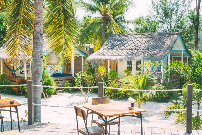 Reasons To Love Le Pirate Beach Club - This amazing hipster boutique eco-hideaway on Gili Trawangan (that little island between Bali and Lombok).