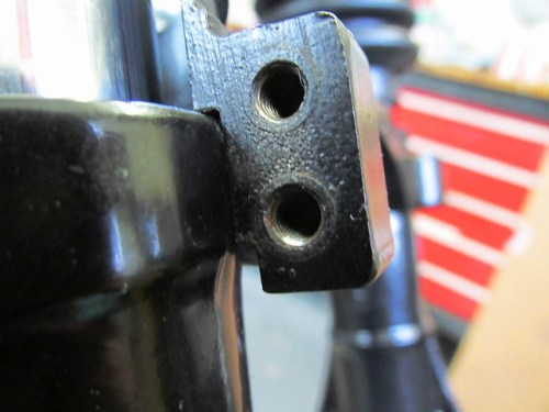 Telefix Fork Brace Center Bracket Mounted on Top of Fork Slider