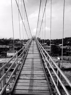 hanging bridge in bukit lawang