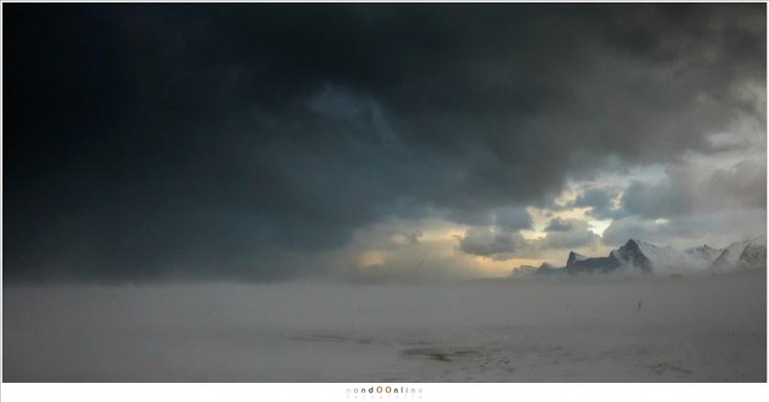 Noordweer boven het strand van Yttersand, Lofoten 2017 - part 1