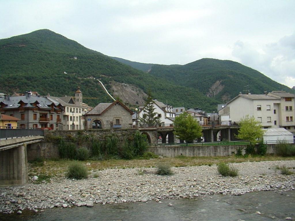 Biescas puente y rio Gallego Huesca 27