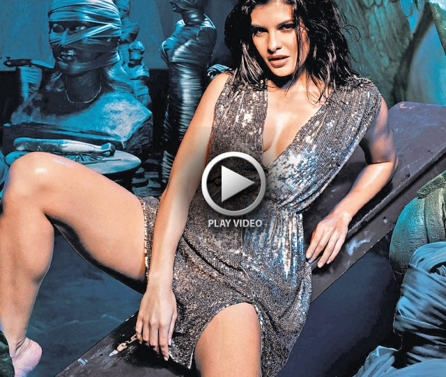 Jacqueline Fernandez Hot Wallpaper From Hindi Film Murder Copy